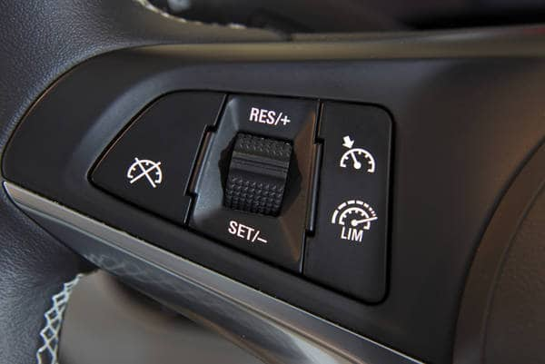 Adaptive cruise control (Photo: iStockPhoto)