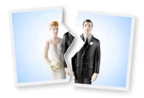women at risk for losing health insurance after divorce