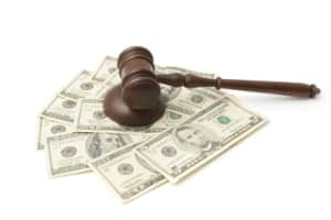 pros and cons of paying off tickets or fighting in court